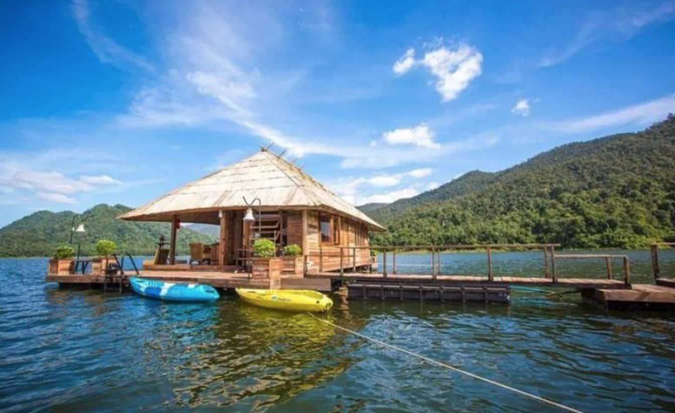 Kayak at Mae Ngaat